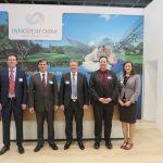 Team der INNOPERFORM®: stolz präsentierten sie die neue Generation der Fensterfalzlüfter